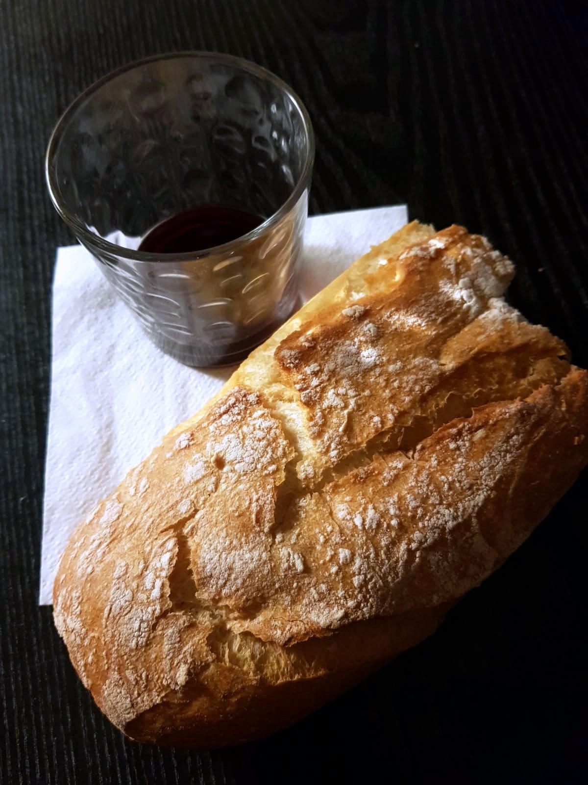 Pâine și vin